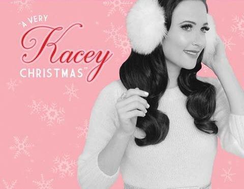 Kacey Musgraves también prepara álbum navideño (como Rascal Flatts, Brett Eldredge, Garth Brooks)