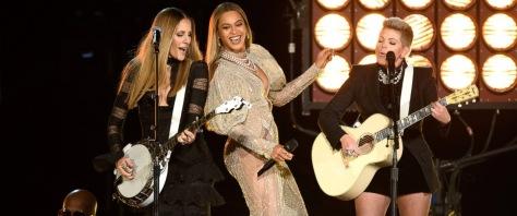 Foto: abcnews.go.com Las Dixie Chicks junto a Beyoncé